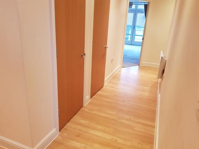 2 Bed Apartment Flat/apartment For Sale - ENTRANCE HALLWAY