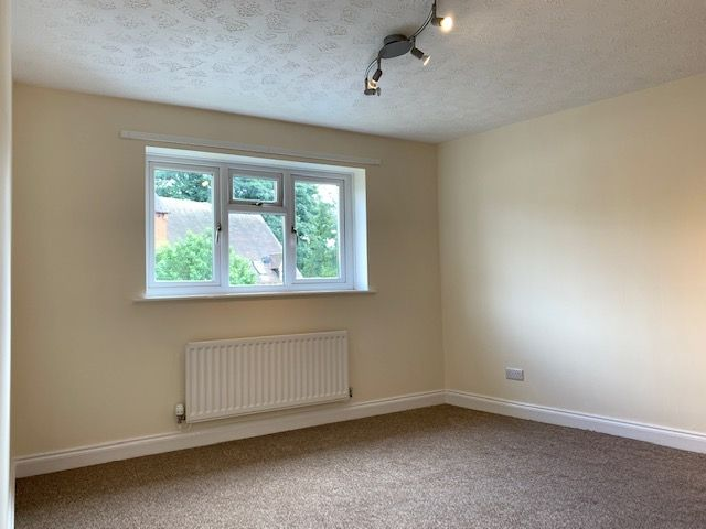 2 Bed Mid Terraced House To Rent - Bedroom One