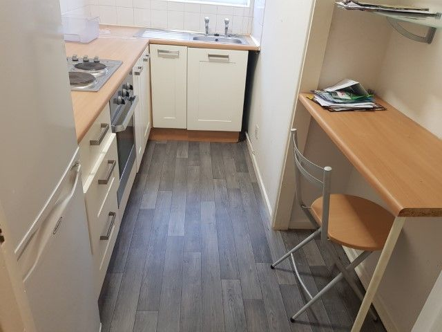 2 Bedroom Apartment Flat/apartment For Sale - KITCHEN