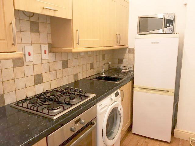 1 Bed Ground Floor Flat/apartment To Rent - Photograph 4