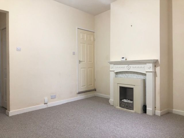 2 Bed End Terraced House To Rent - Photograph 10
