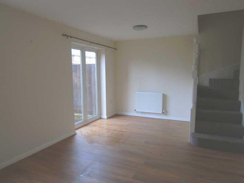 3 Bed Semi-detached House To Rent - Lounge