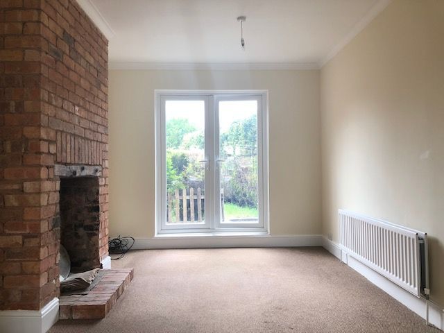 3 Bed Semi-detached House To Rent - Photograph 4