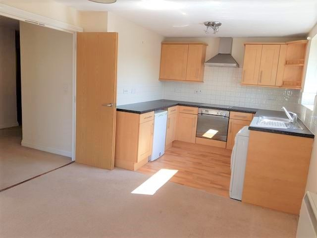 2 Bed Flat Flat/apartment To Rent - Lounge / Kitchen