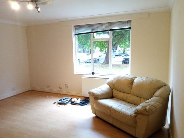 3 Bed Ground Floor Flat/apartment To Rent - Photograph 3