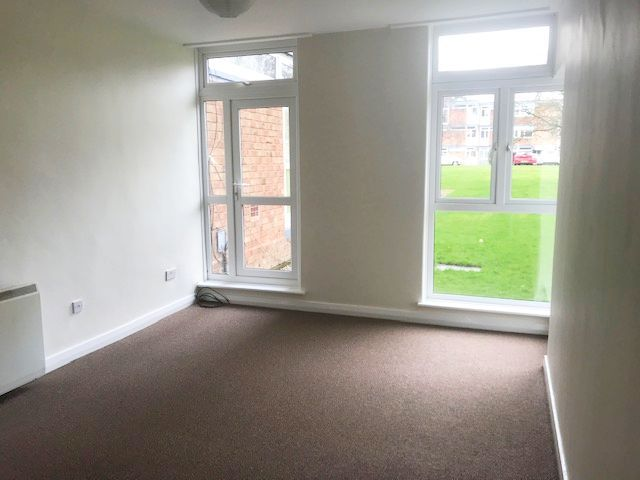 2 Bed Ground Floor Flat/apartment To Rent - Photograph 4