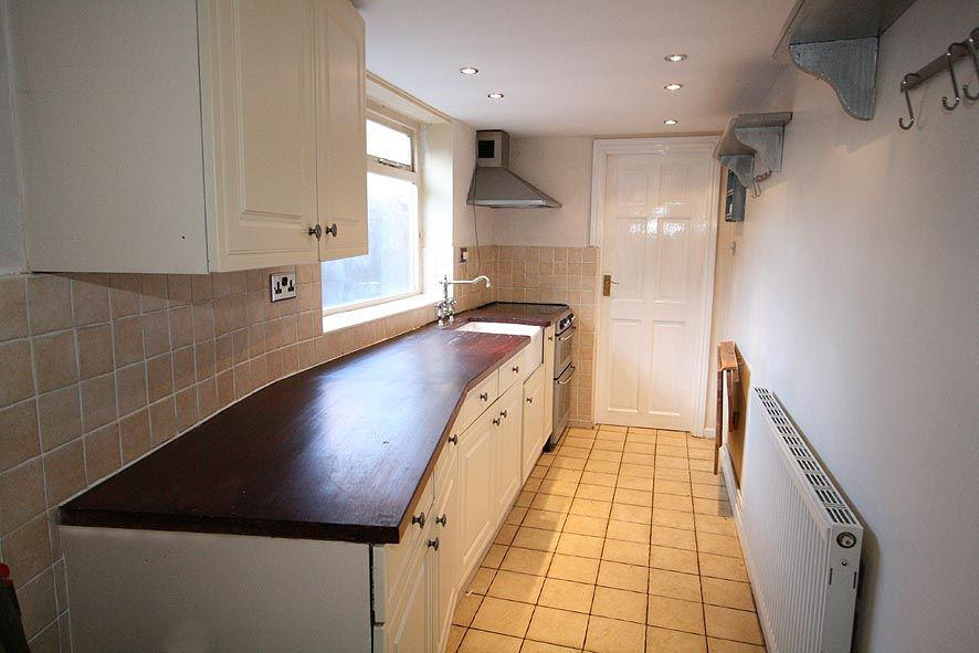 2 Bed Mid Terraced House To Rent - Photograph 3