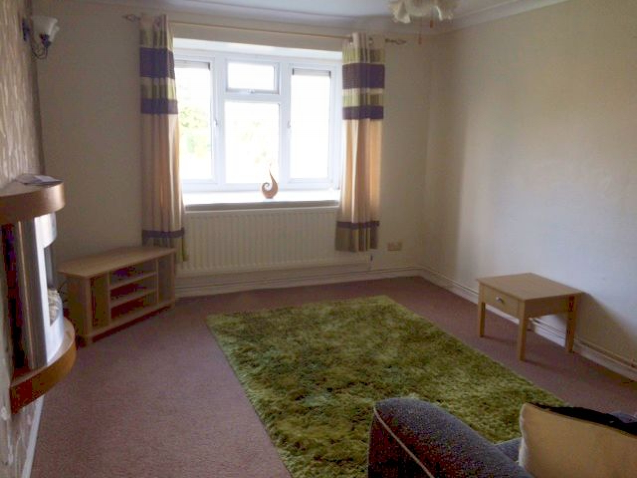 2 Bed Apartment Flat/apartment To Rent - Photograph 4