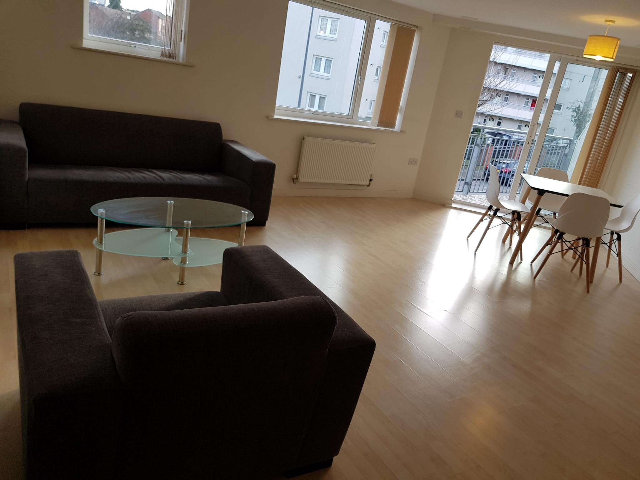 2 Bed Apartment Flat/apartment To Rent - Open Plan Living Area / Kitchen