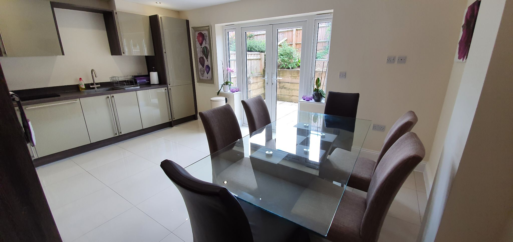 3 bedroom mid terraced house Sale Agreed in Brookmans Park - Photograph 30