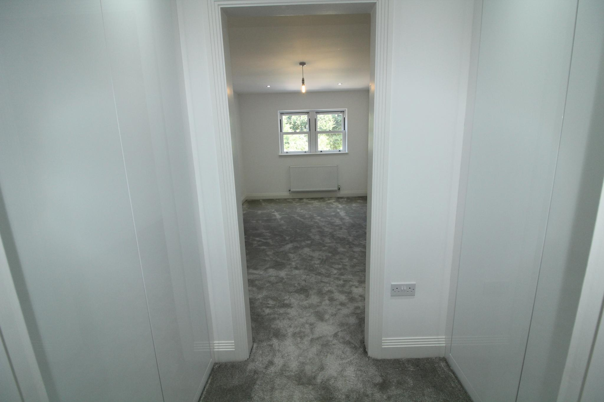 2 bedroom apartment flat/apartment For Sale in Hatfield - Photograph 8