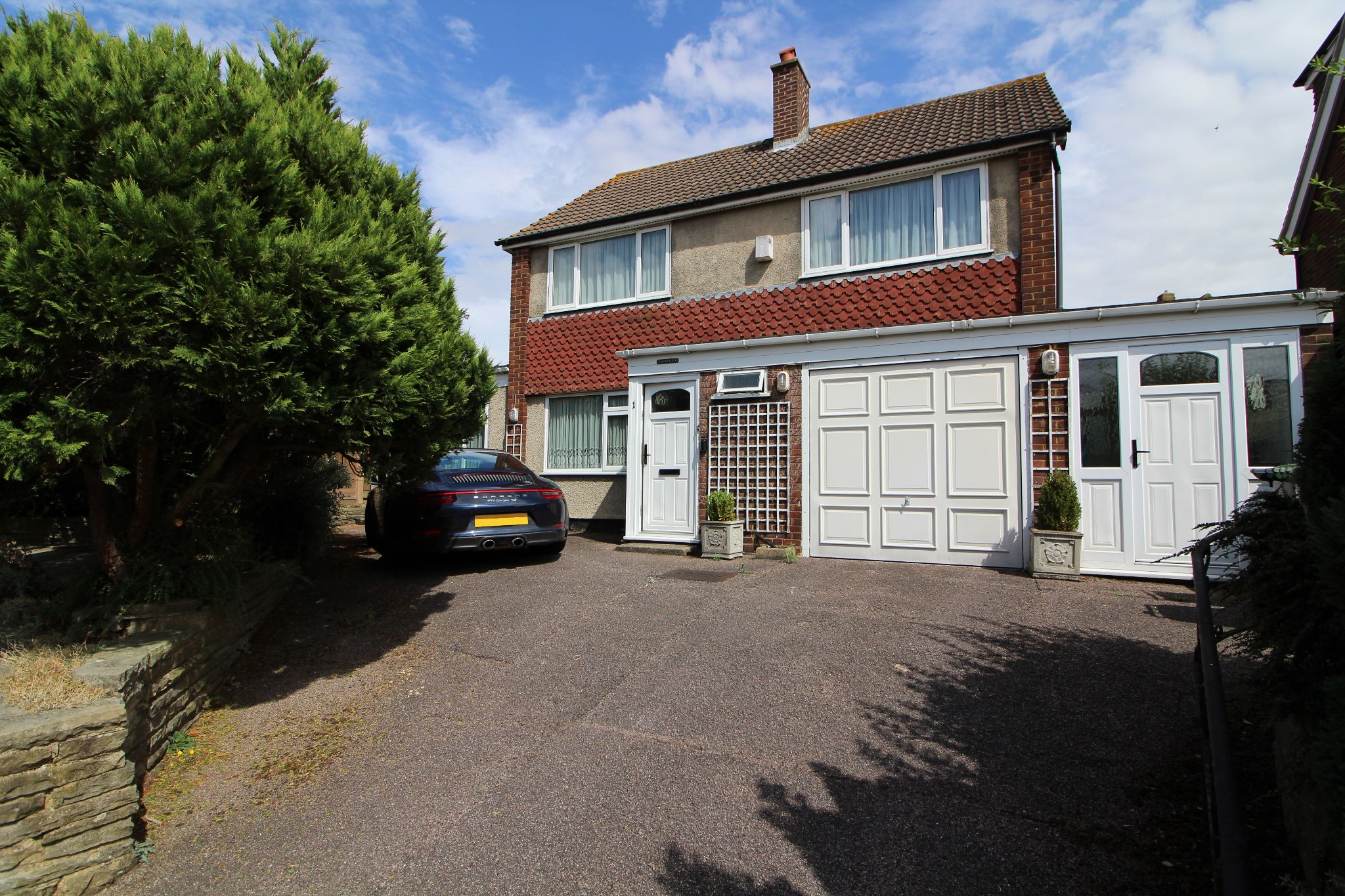 3 bedroom detached house Sale Agreed in Goffs Oak - Property photograph