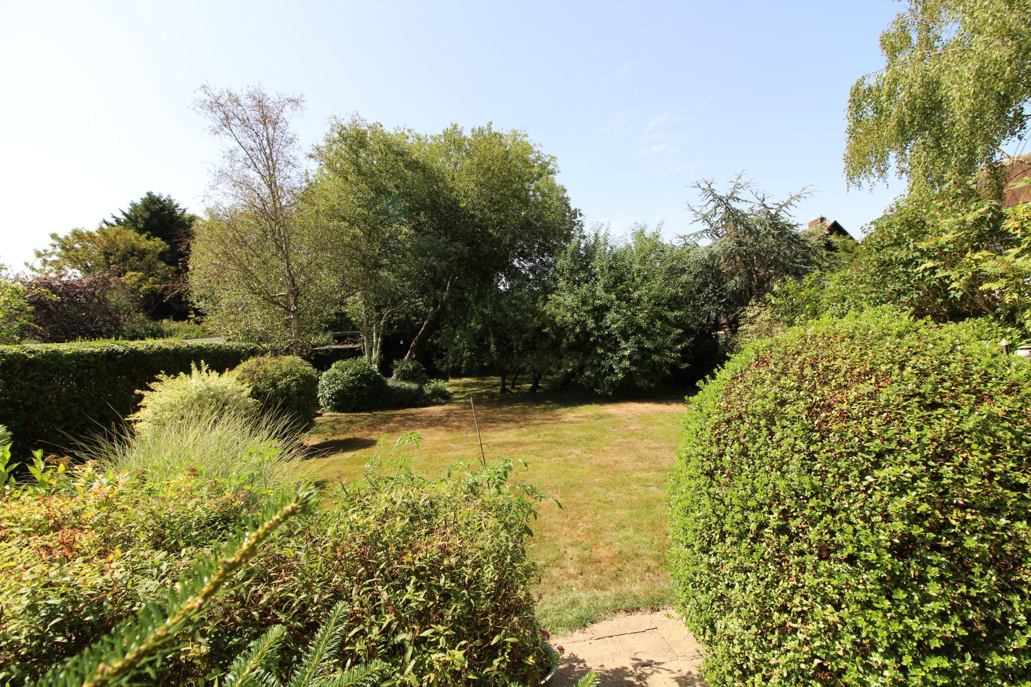 4 bedroom detached house For Sale in Potters Bar - Photograph 16
