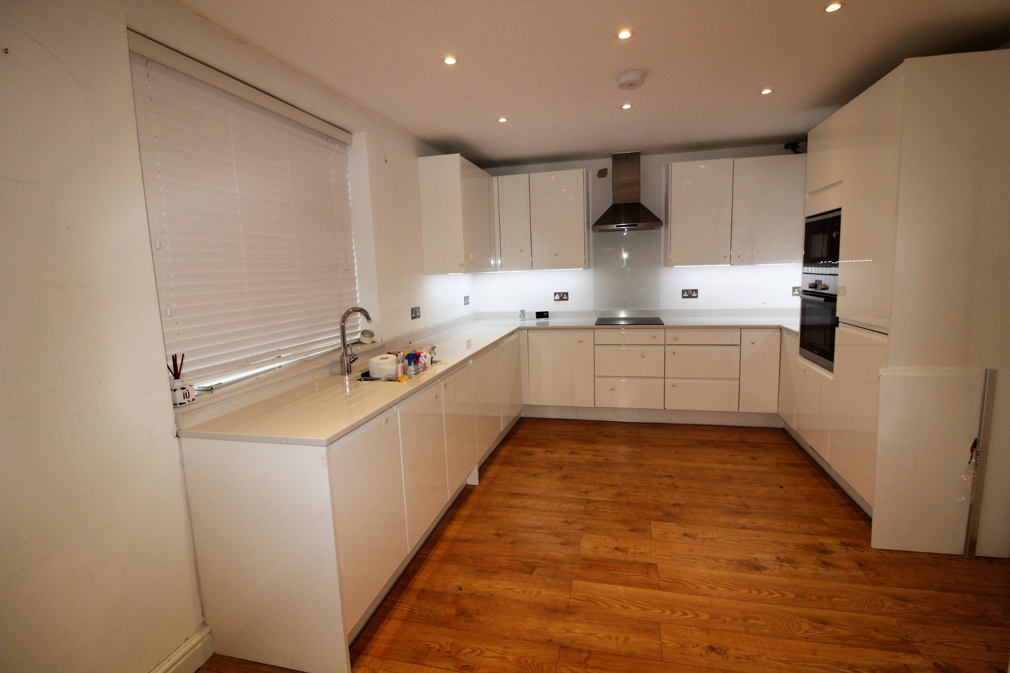 3 bedroom semi-detached house To Let in Potters Bar - Property photograph
