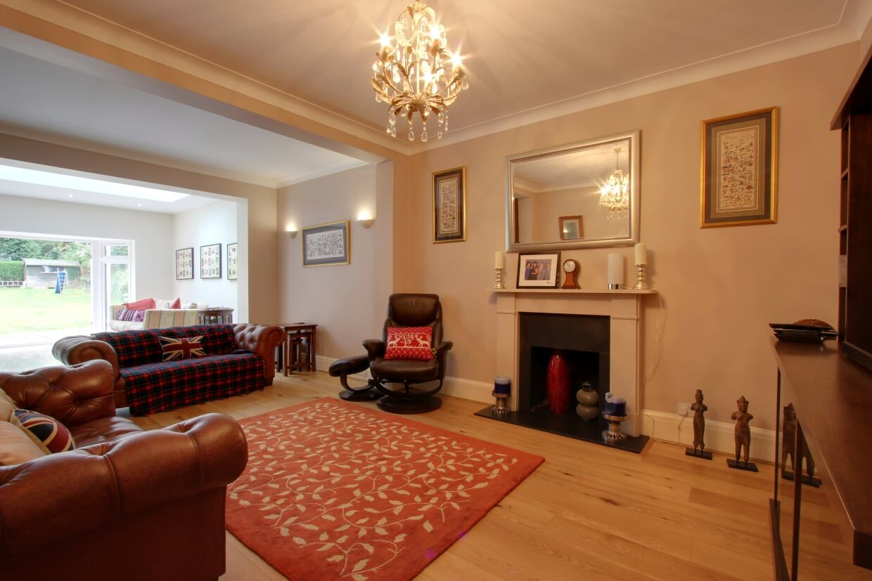 5 bedroom detached house For Sale in Brookmans Park - Photograph 10
