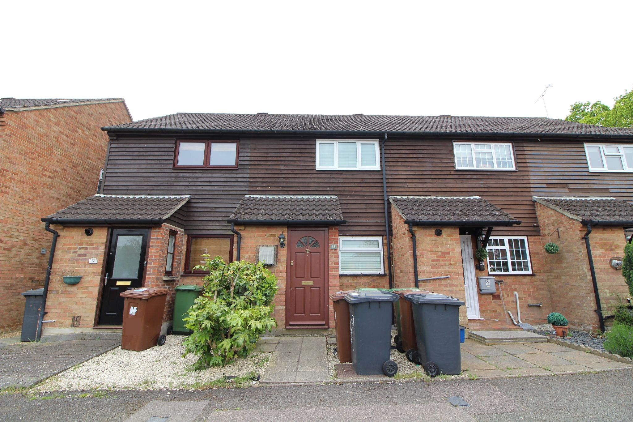 2 bedroom mid terraced house For Sale in Potters Bar - Property photograph