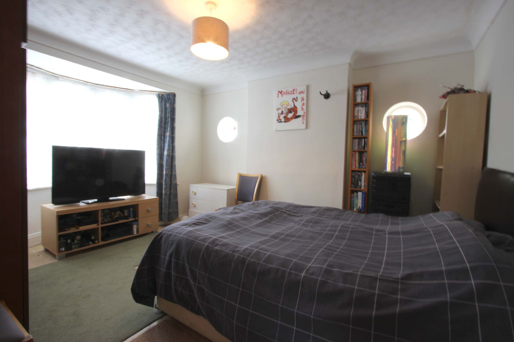 4 bedroom chalet house SSTC in Potters Bar - Photograph 7