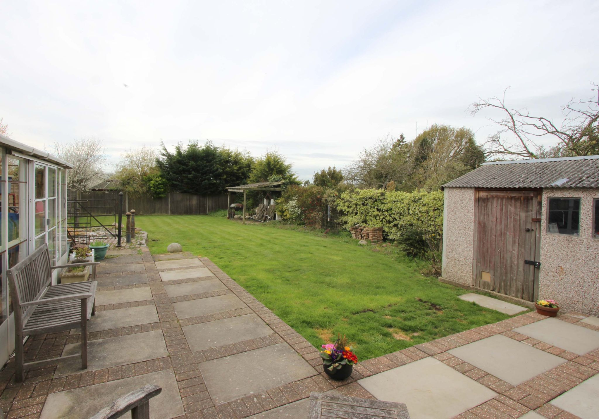 4 bedroom chalet house SSTC in Potters Bar - Photograph 11