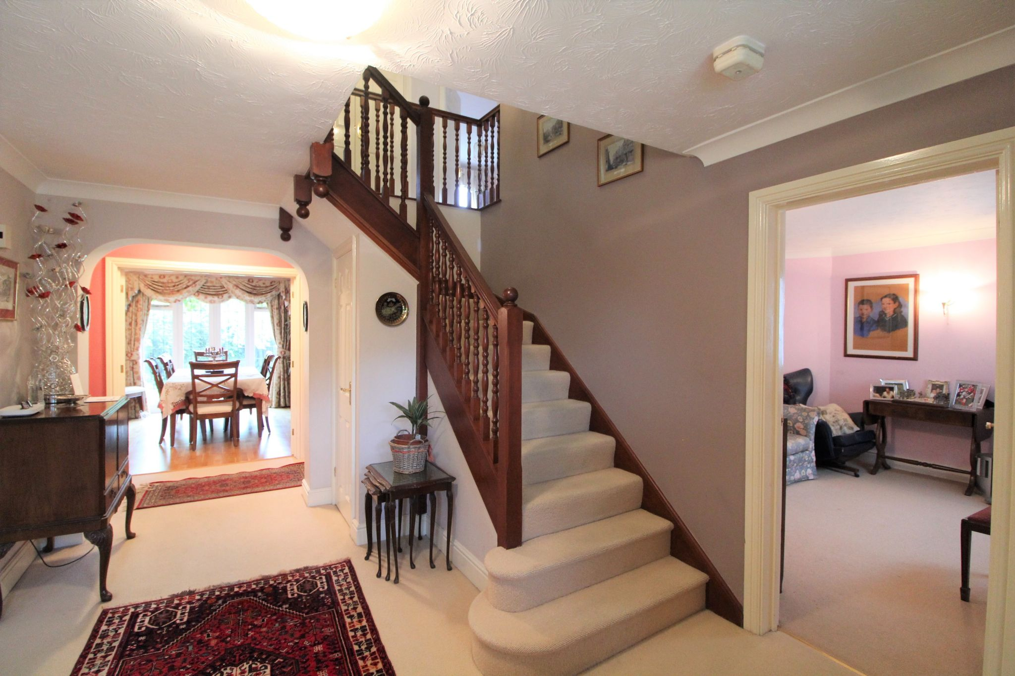 5 bedroom detached house For Sale in West Cheshunt - Photograph 2
