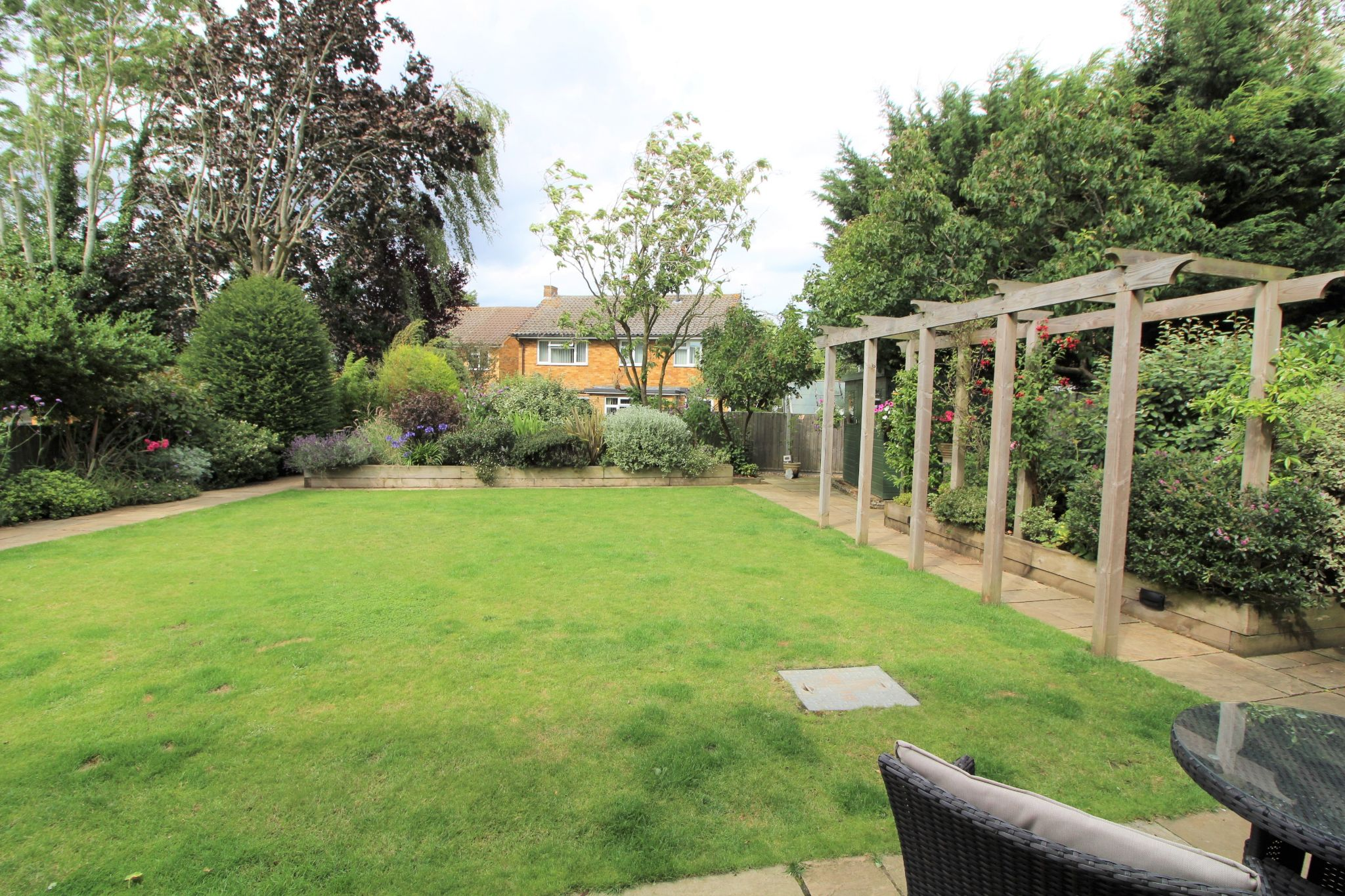4 bedroom detached house Sale Agreed in Potters Bar - Photograph 22