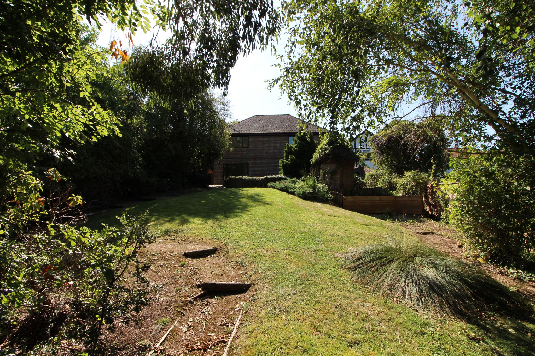 4 bedroom detached house SSTC in Cuffley - Photograph 11