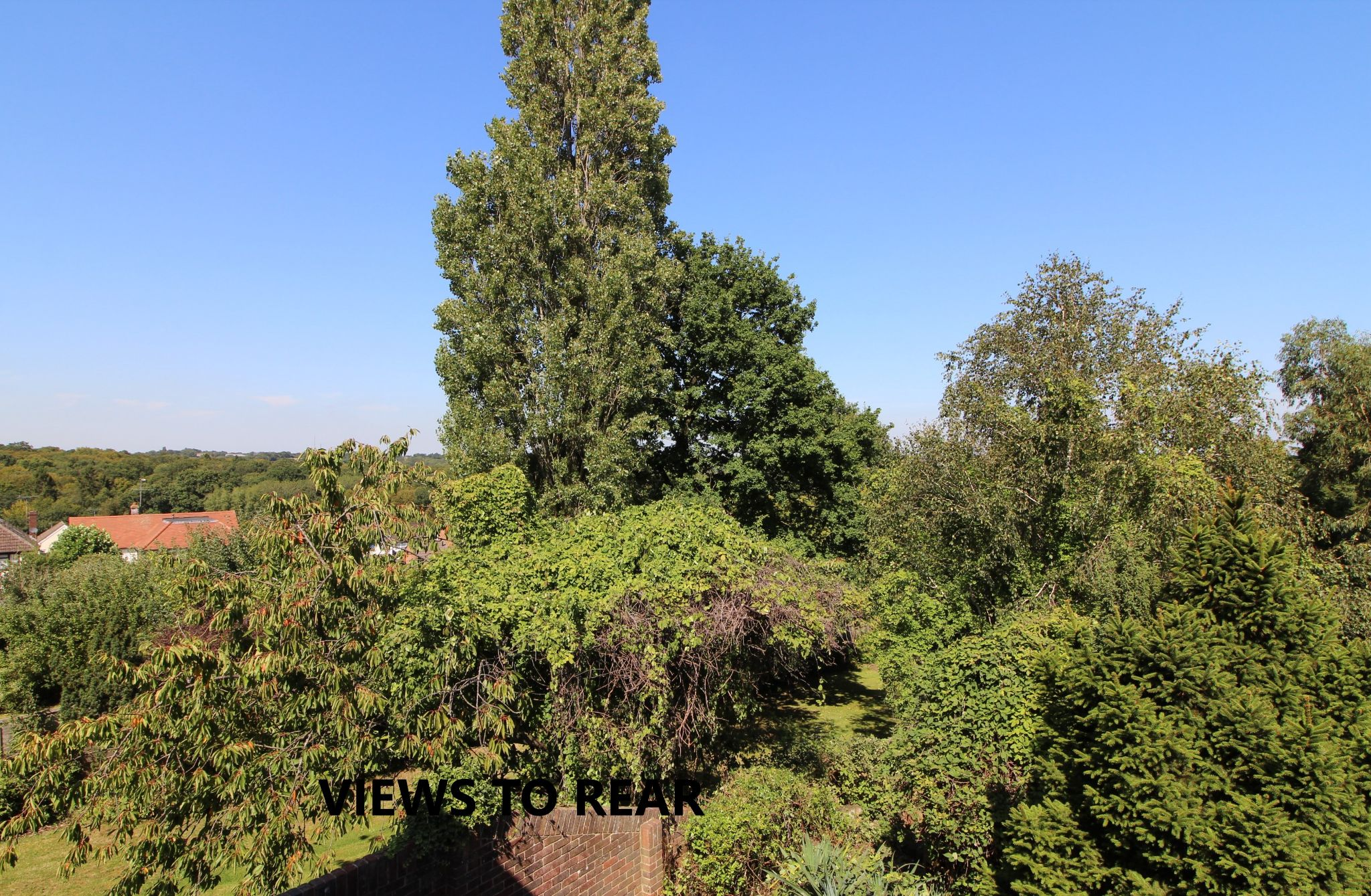 4 bedroom detached house SSTC in Cuffley - Photograph 13