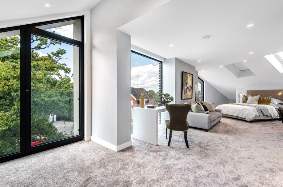 5 bedroom detached house For Sale in Mill Hill - Photograph 11