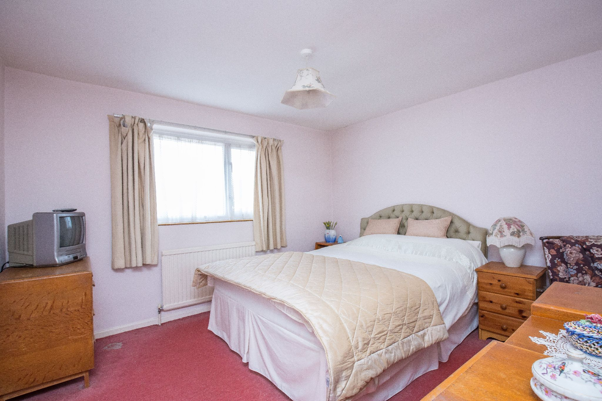3 bedroom mid terraced house SSTC in Welham Green - Photograph 10