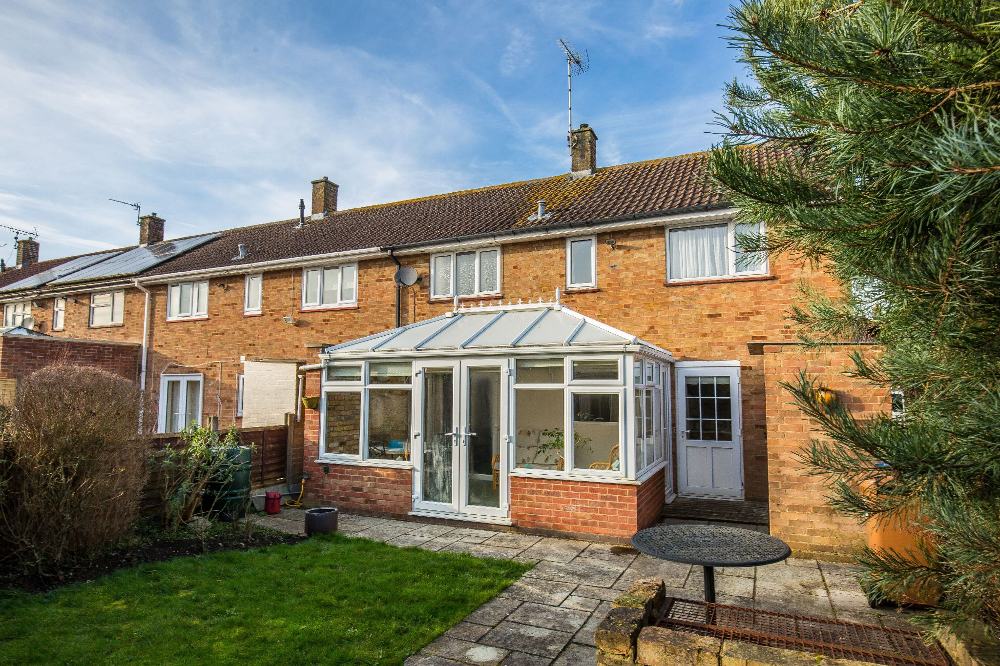 3 bedroom mid terraced house SSTC in Welham Green - Photograph 1