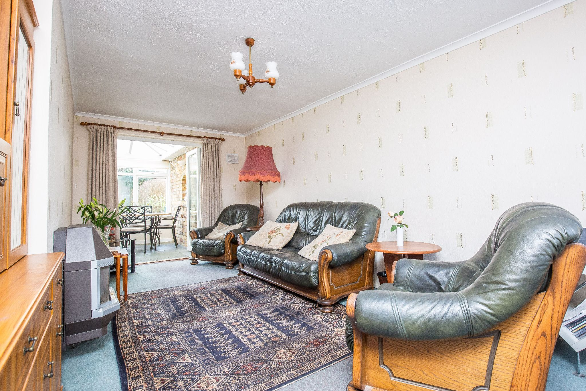3 bedroom mid terraced house SSTC in Welham Green - Photograph 4
