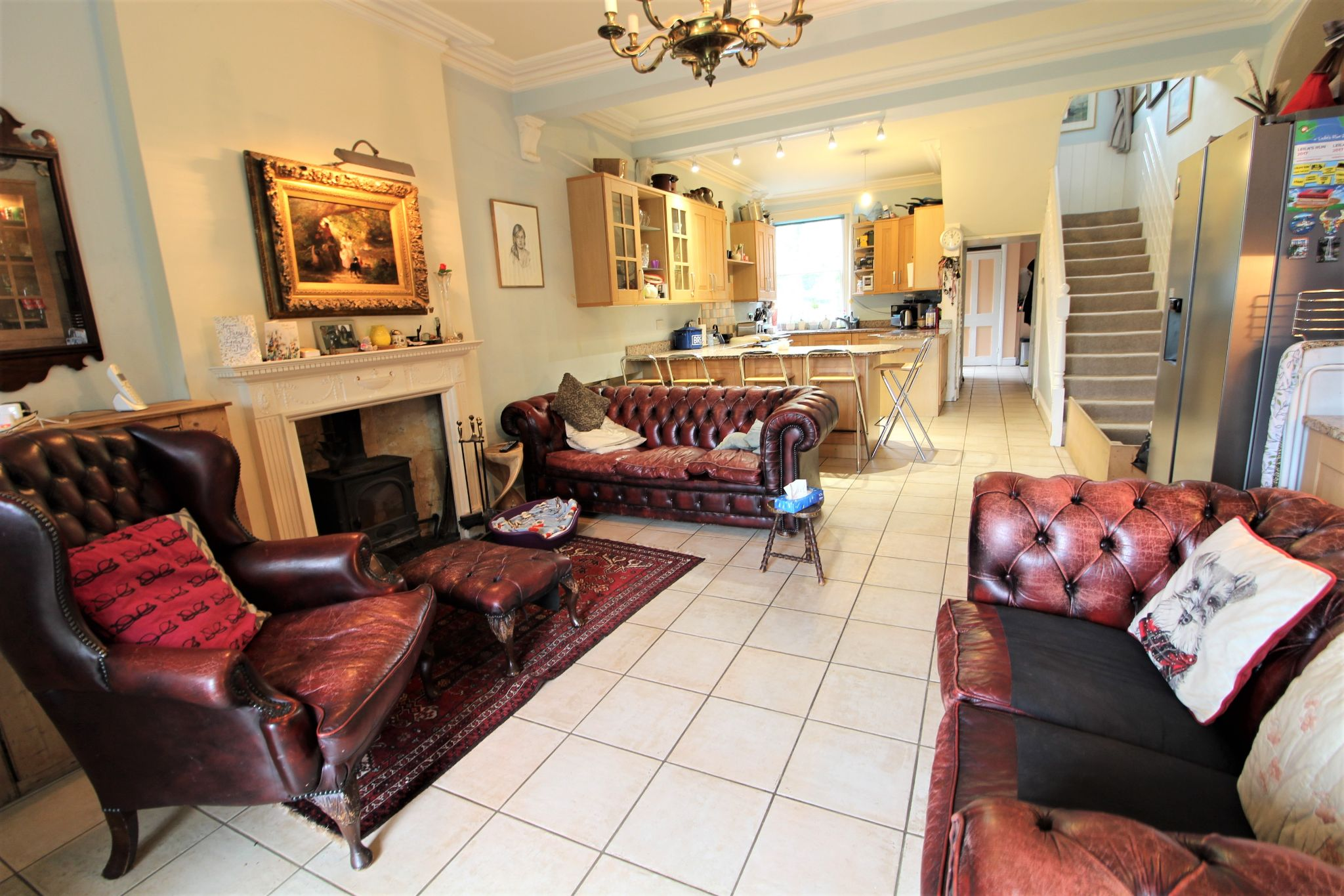 6 bedroom mews house For Sale in Brookmans Park - Photograph 2