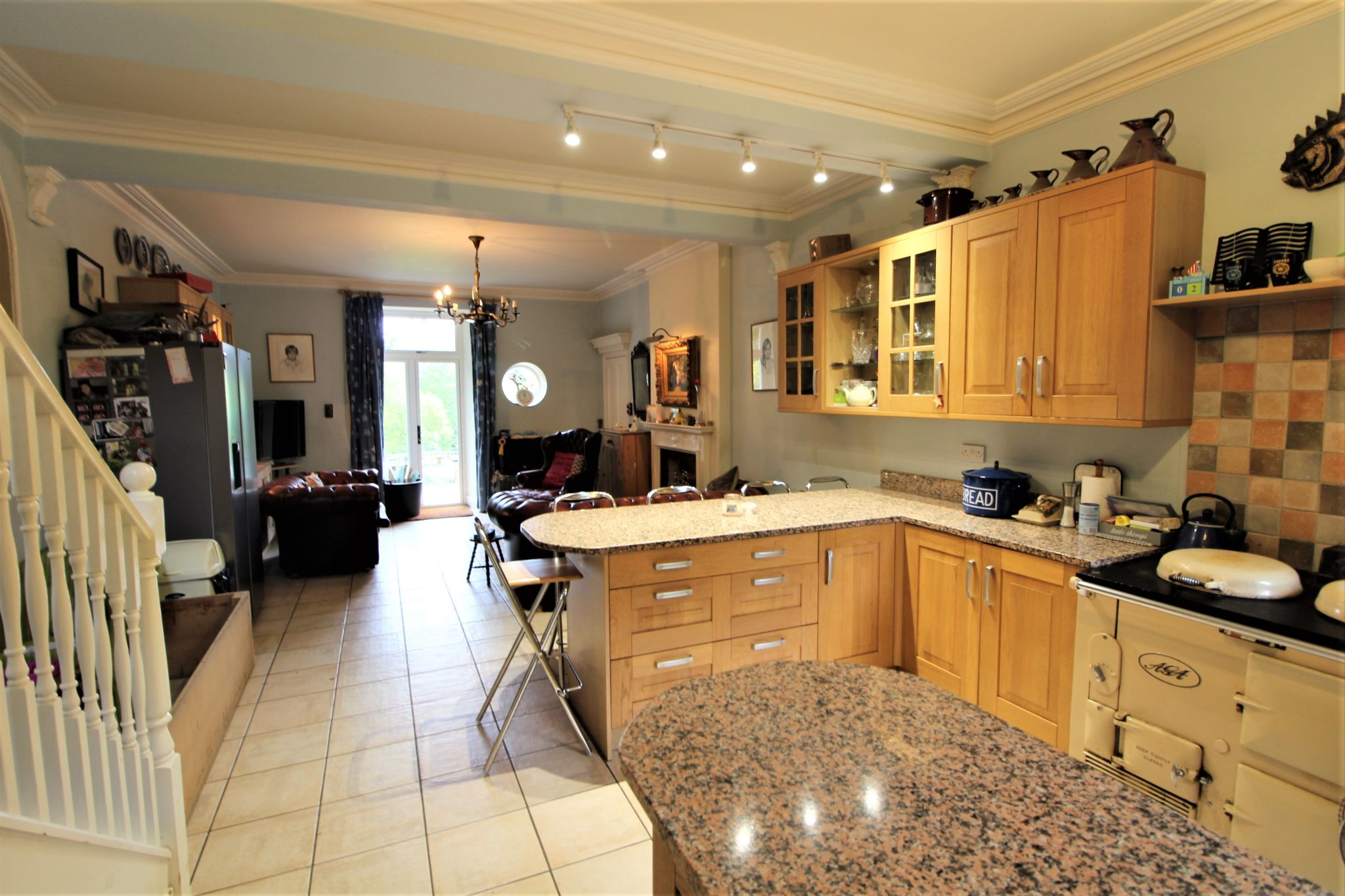 6 bedroom mews house For Sale in Brookmans Park - Photograph 7
