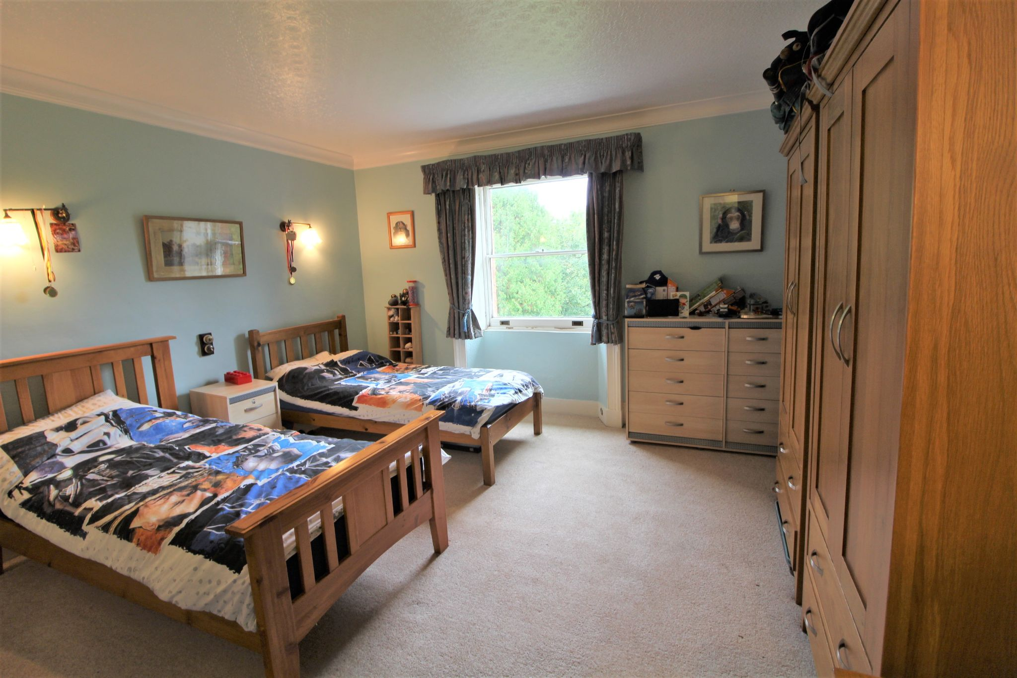 6 bedroom mews house For Sale in Brookmans Park - Photograph 21