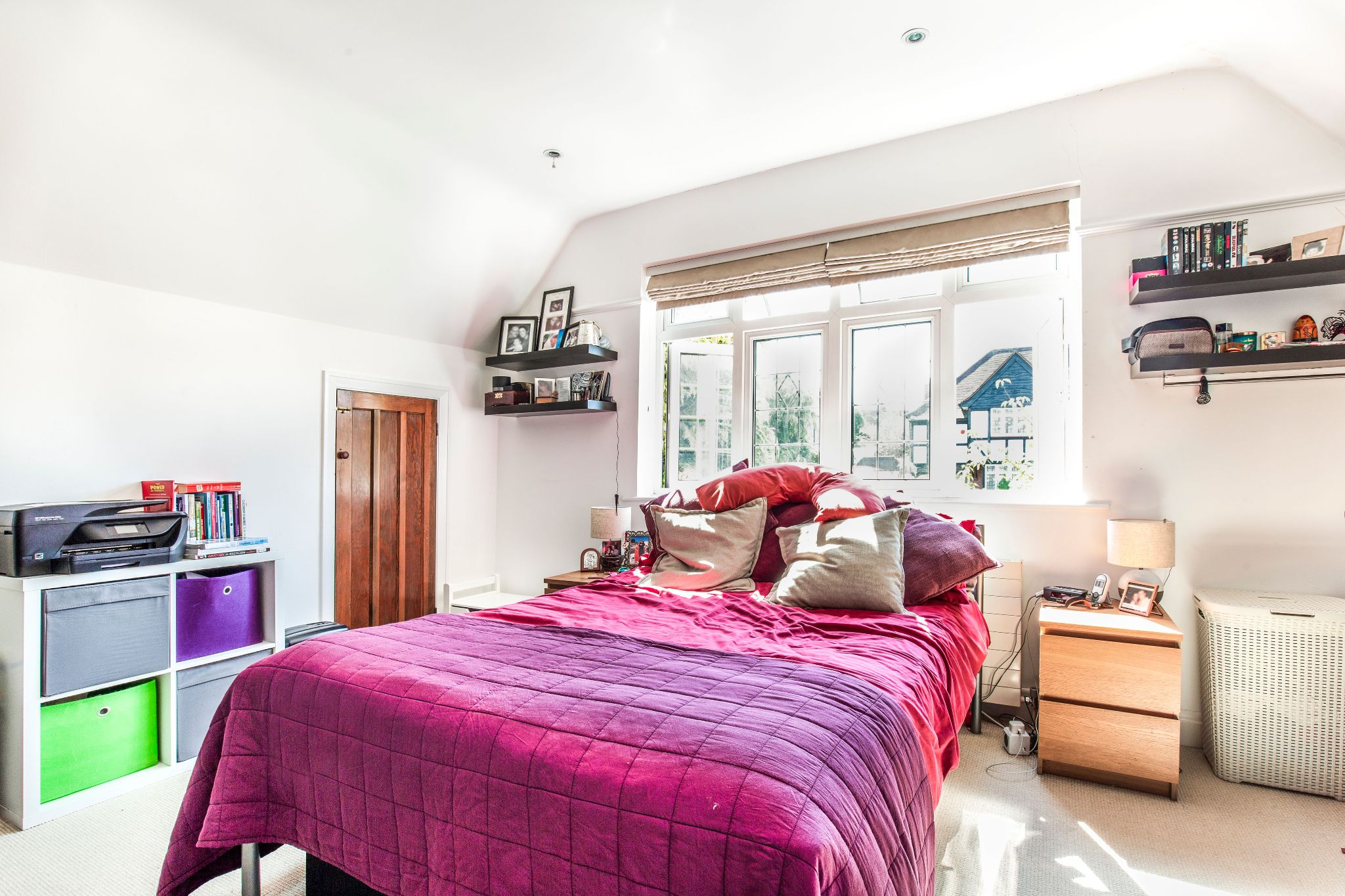 4 bedroom semi-detached house For Sale in Southgate - Photograph 20
