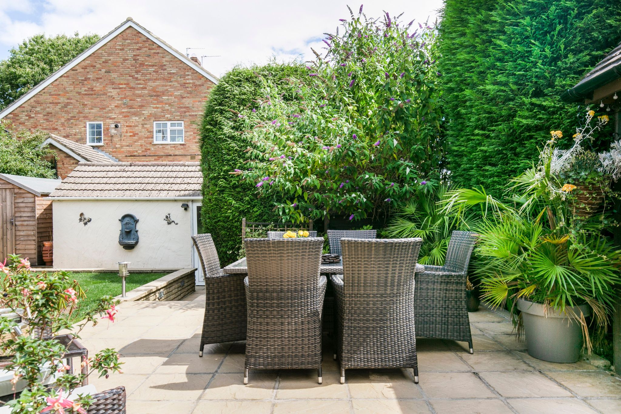 4 bedroom detached house For Sale in Potters Bar - Photograph 19