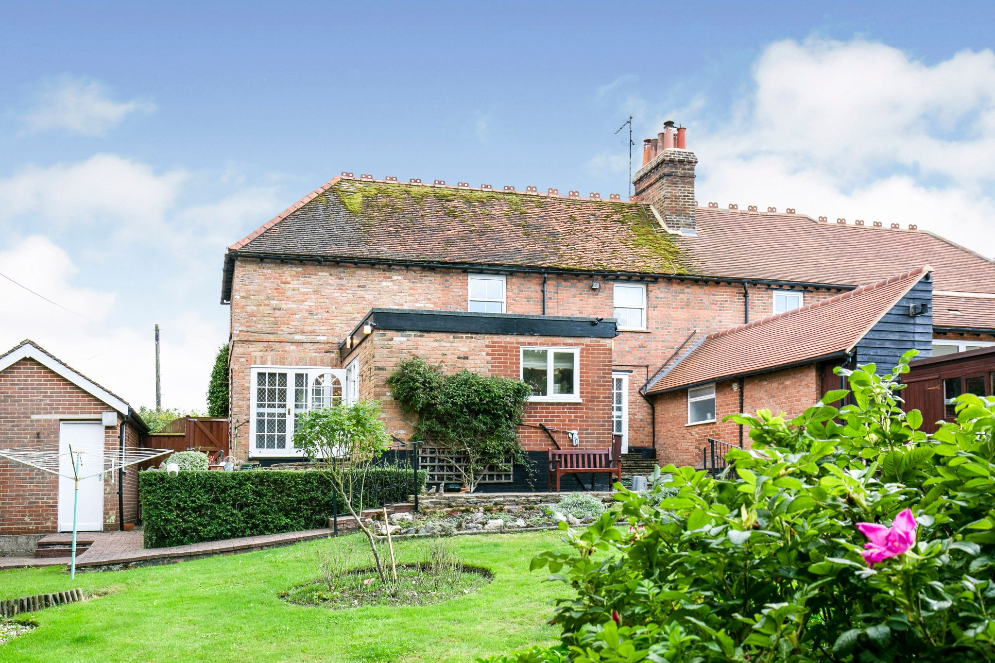 4 bedroom semi-detached house Sale Agreed in Hatfield - Photograph 19