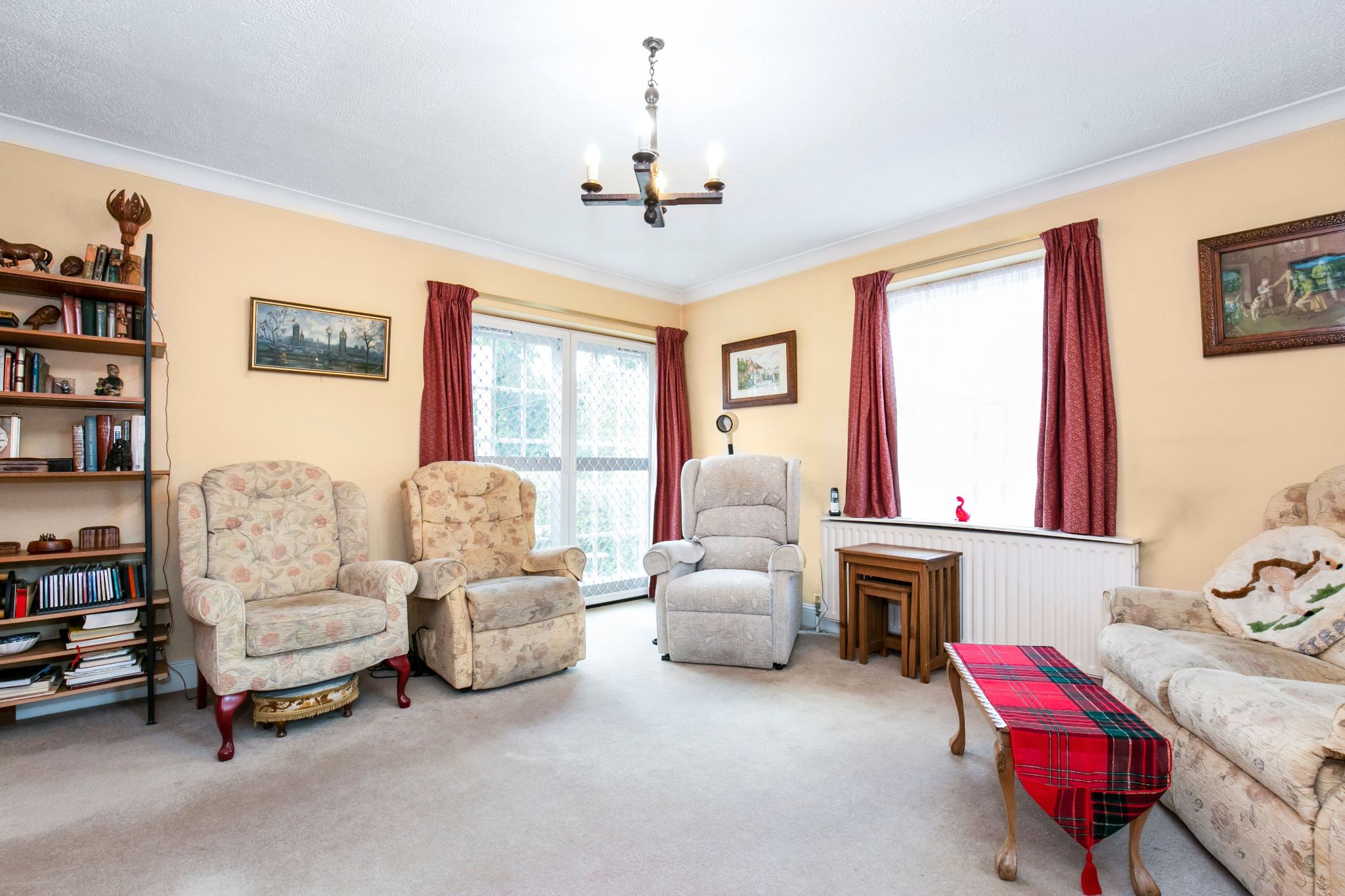 4 bedroom semi-detached house Sale Agreed in Hatfield - Photograph 5