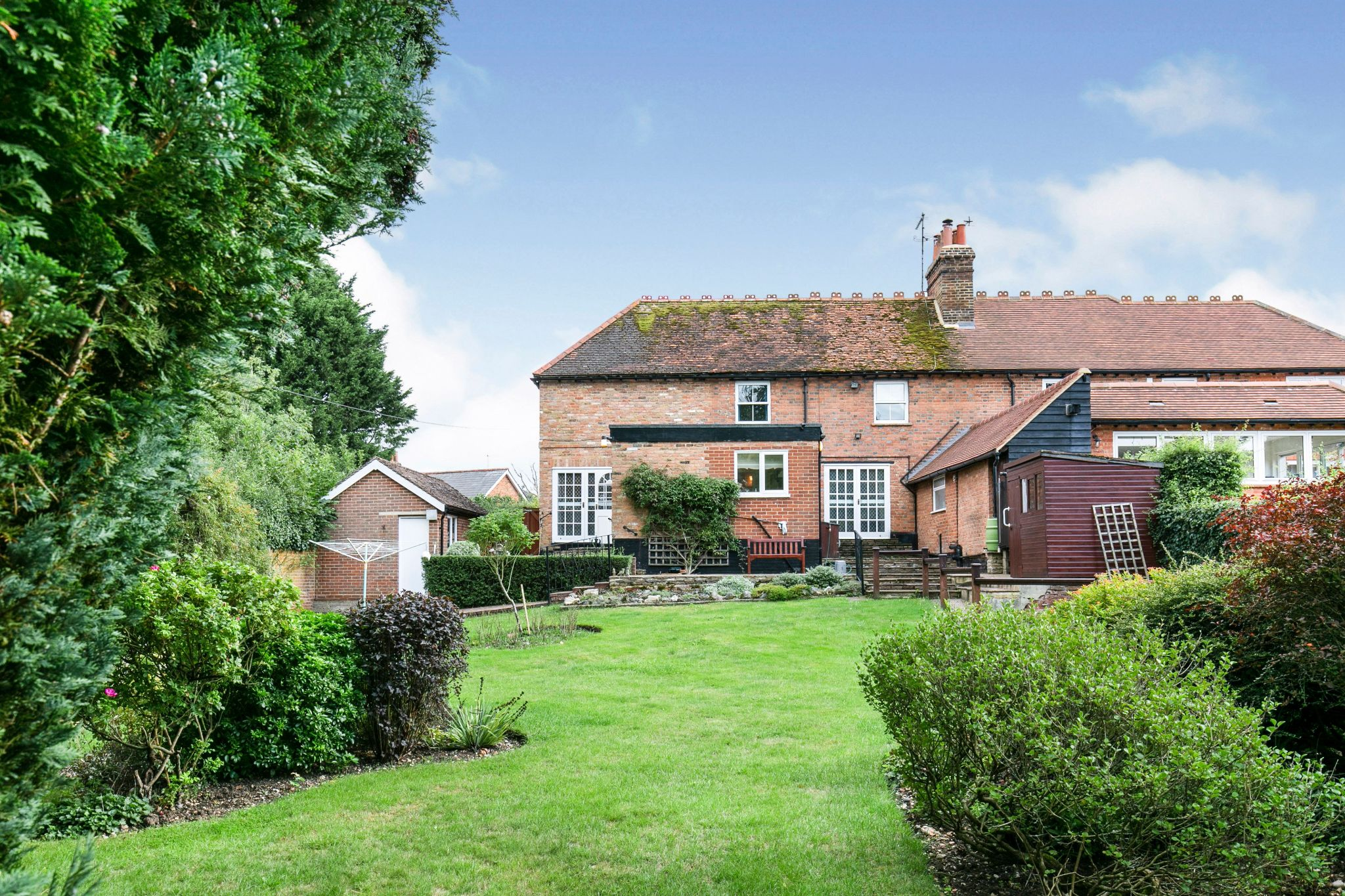 4 bedroom semi-detached house Sale Agreed in Hatfield - Photograph 20