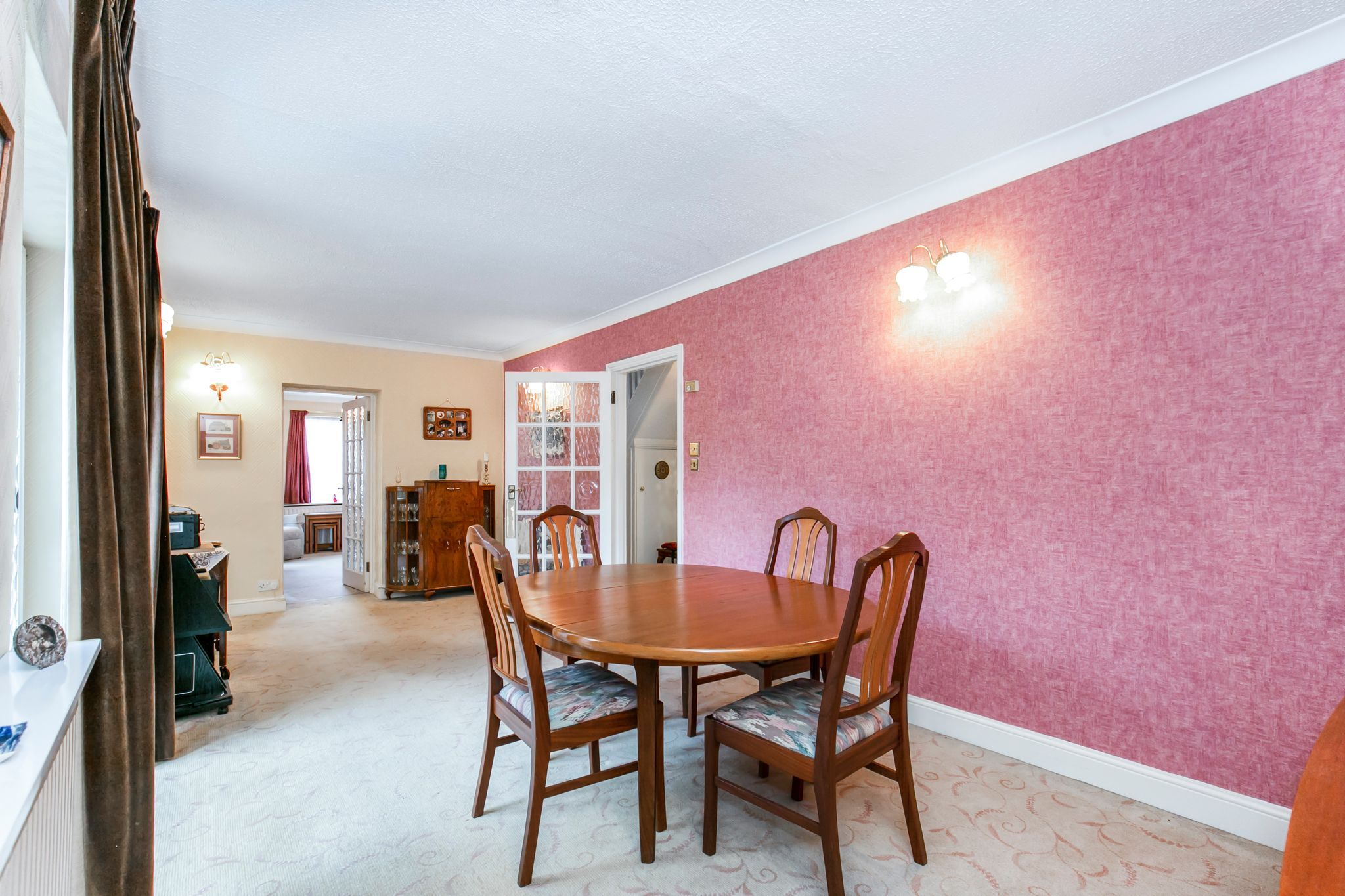 4 bedroom semi-detached house Sale Agreed in Hatfield - Photograph 7