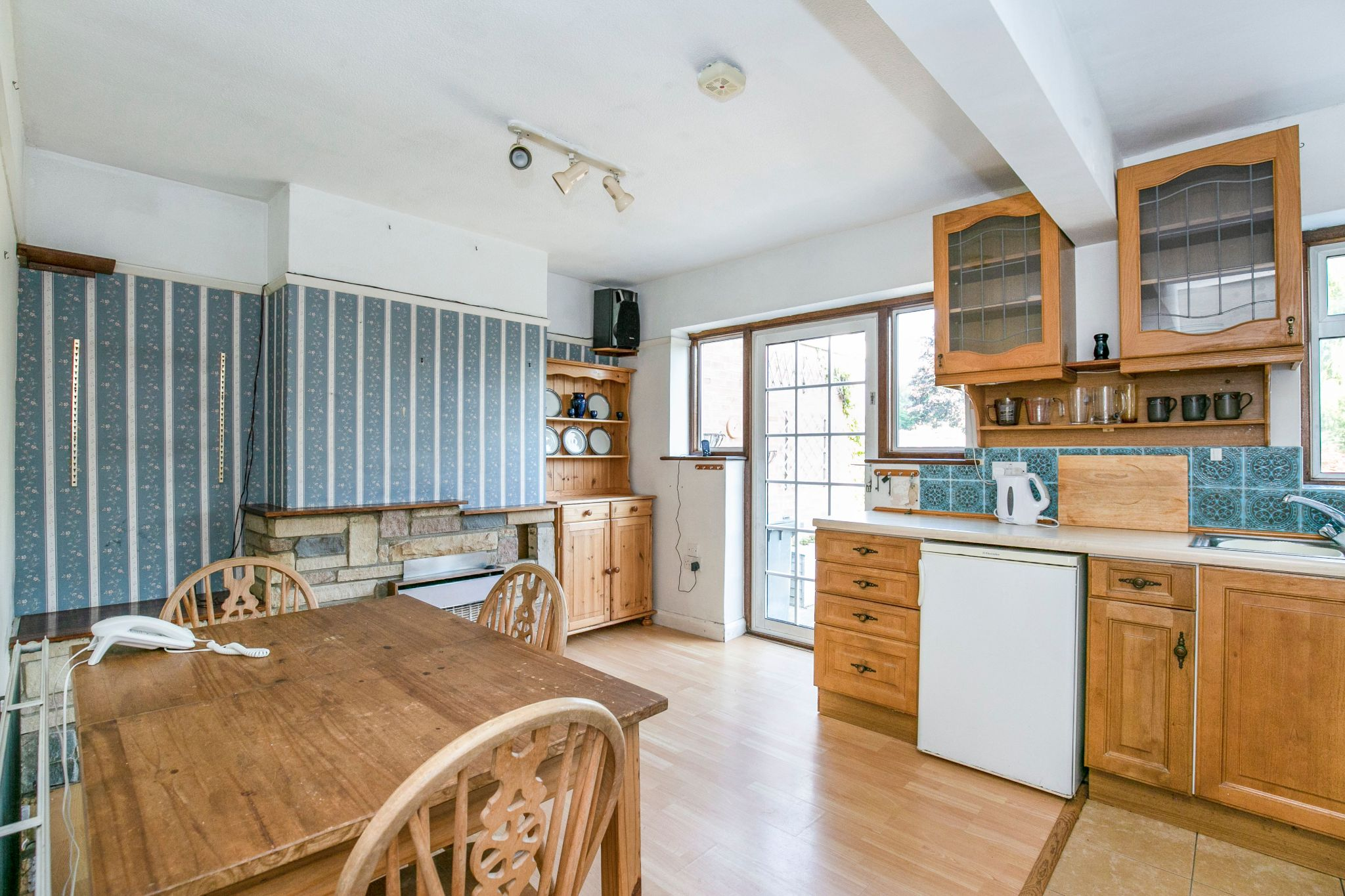 3 bedroom semi-detached house Sold in Potters Bar - Photograph 11
