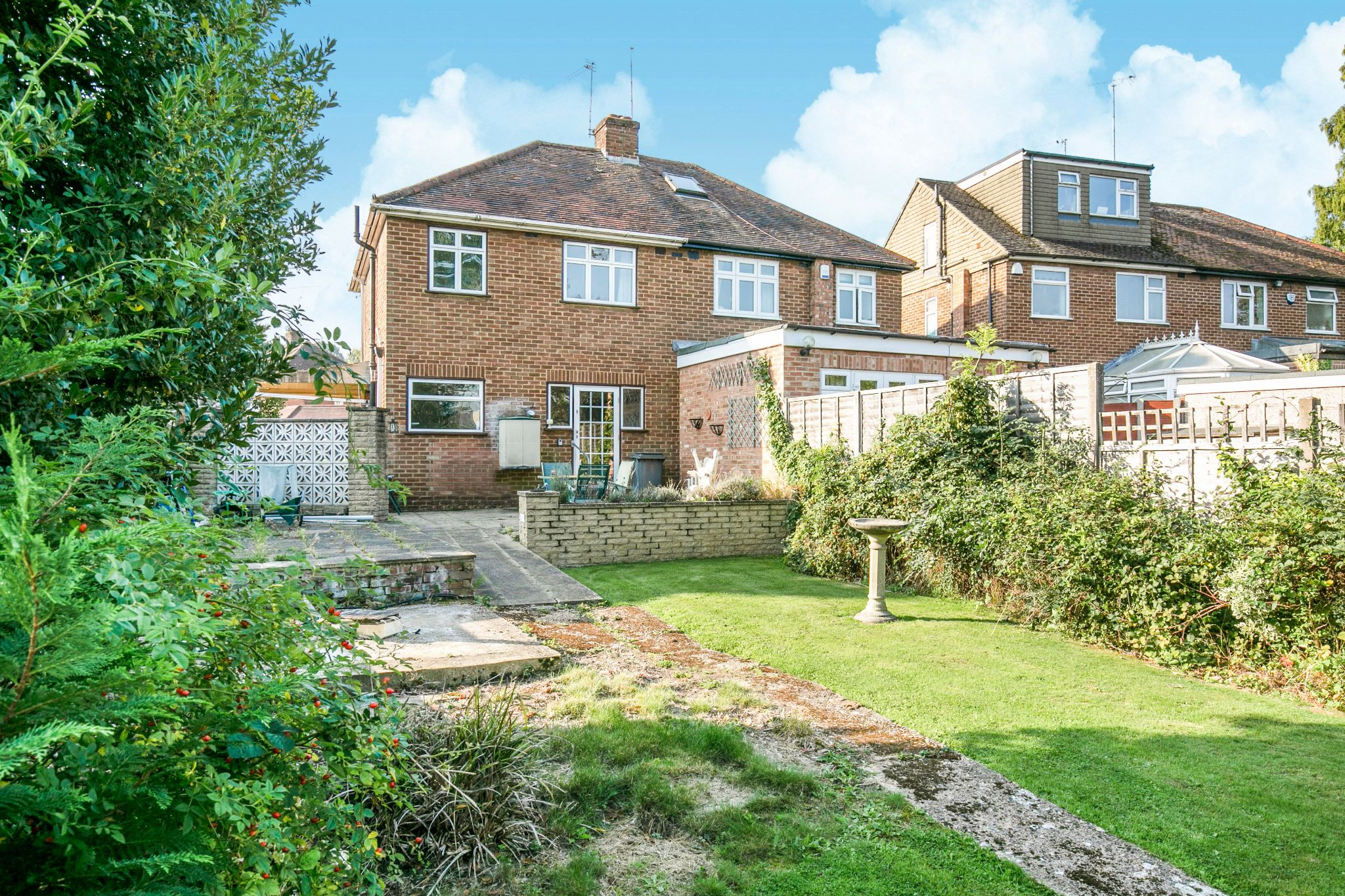 3 bedroom semi-detached house Sold in Potters Bar - Photograph 5