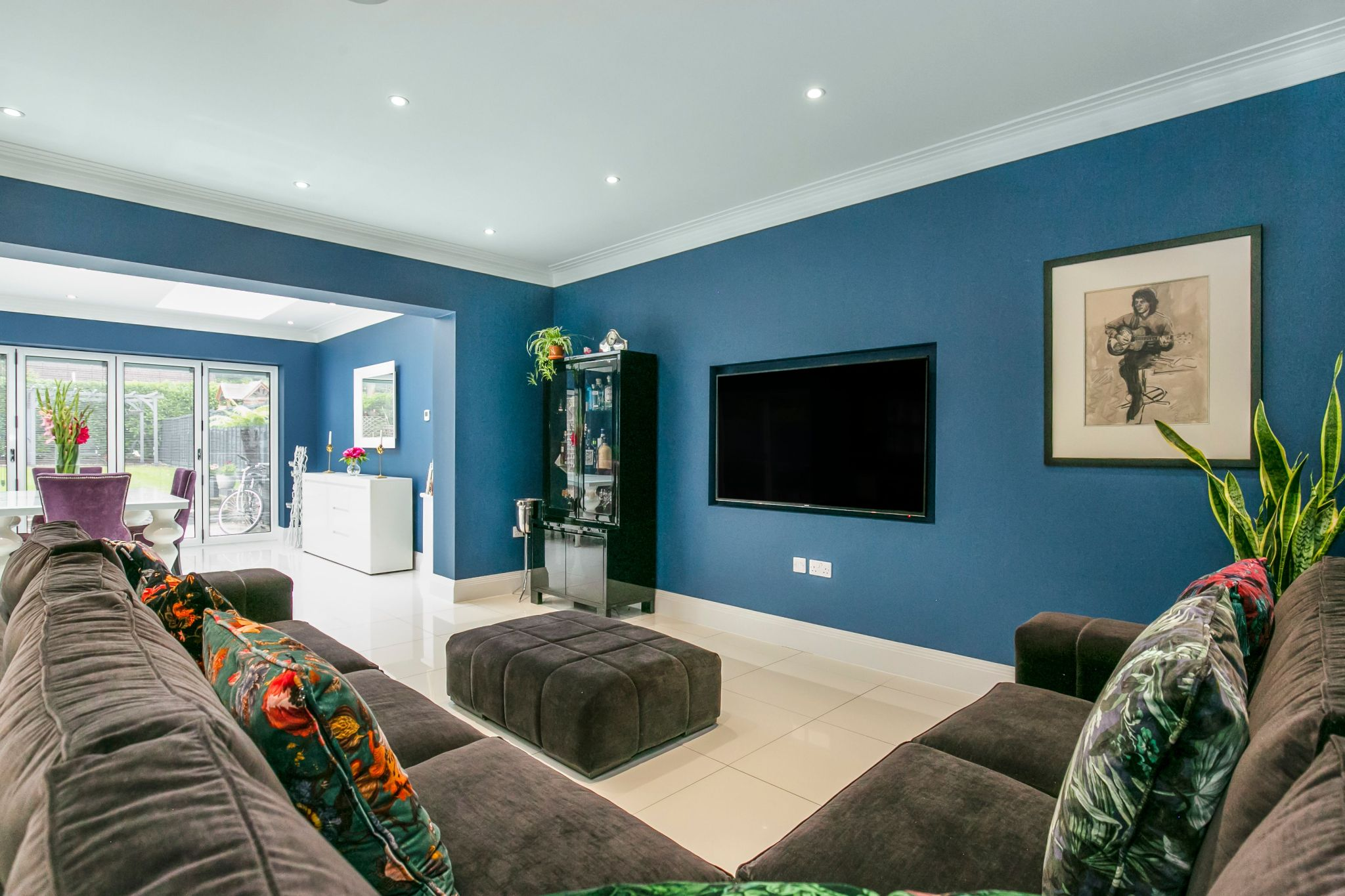 5 bedroom semi-detached house Sale Agreed in Brookmans Park - Photograph 9