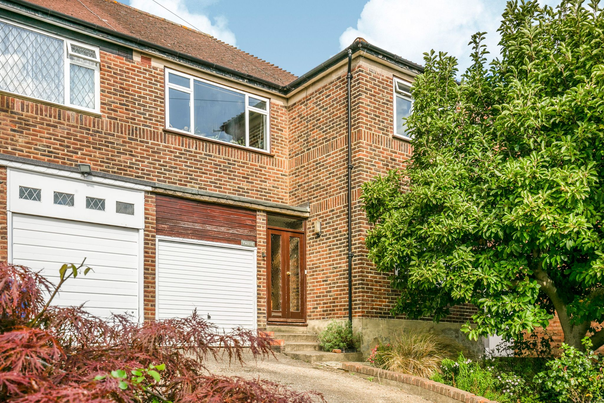 4 bedroom semi-detached house Sale Agreed in New Barnet - Photograph 14
