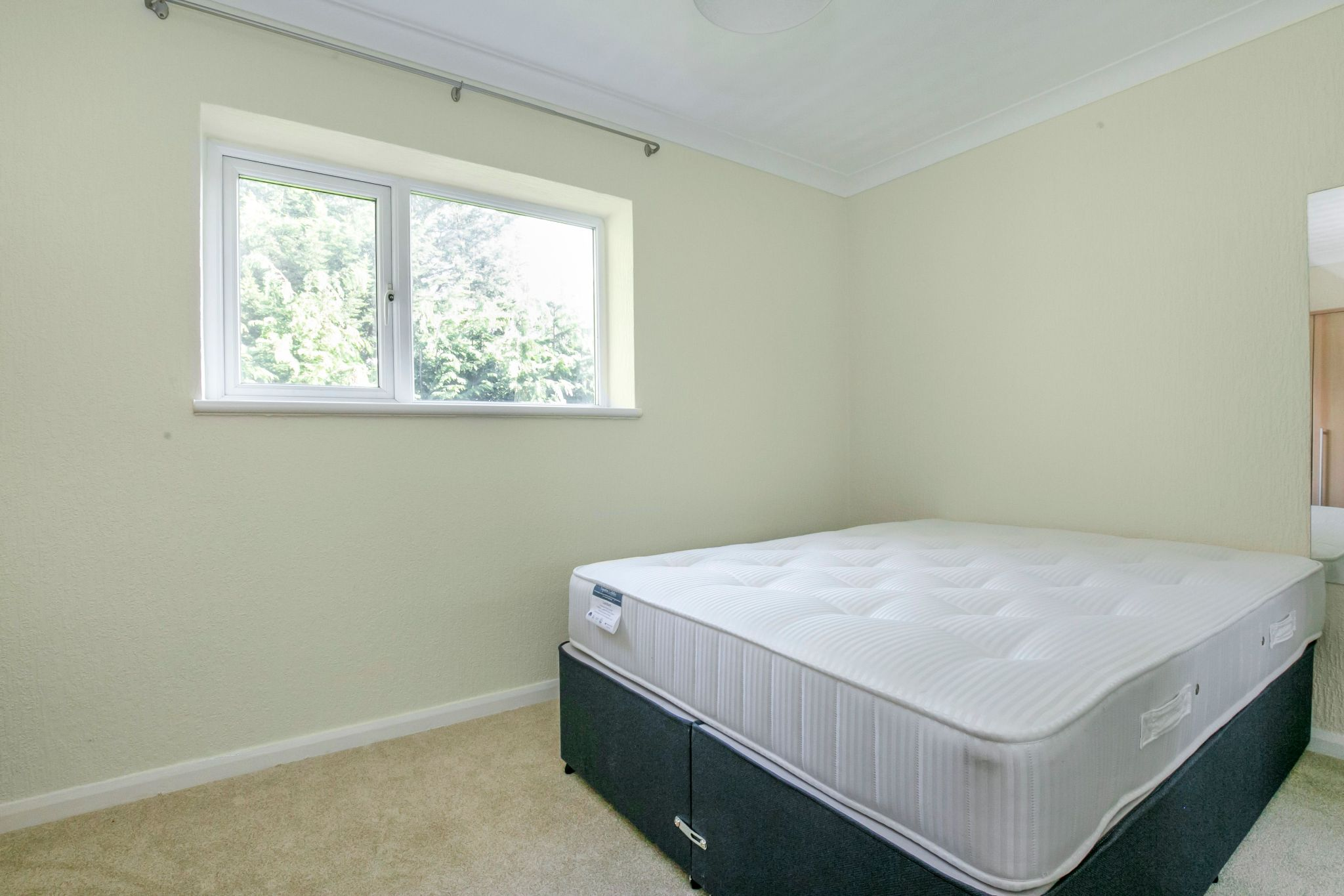 1 bedroom maisonette flat/apartment To Let in Potters Bar - Photograph 7