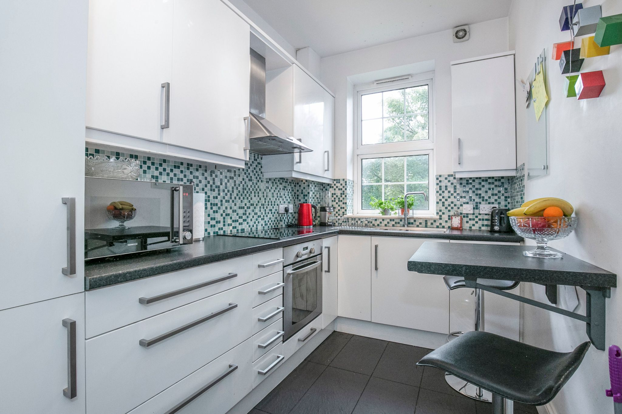 2 bedroom apartment flat/apartment For Sale in Potters Bar - Property photograph
