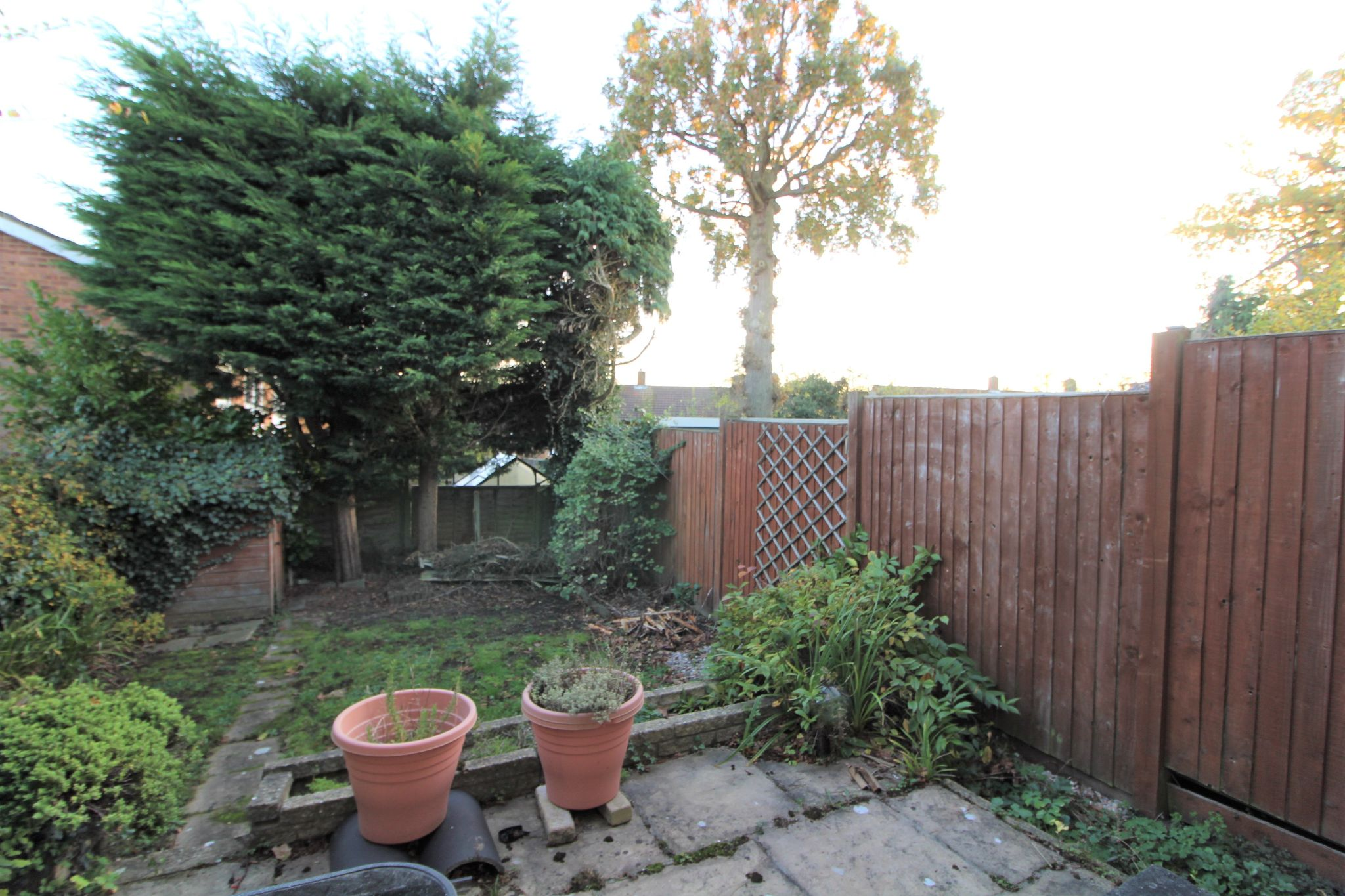 3 bedroom mid terraced house Sale Agreed in Potters Bar - Photograph 5