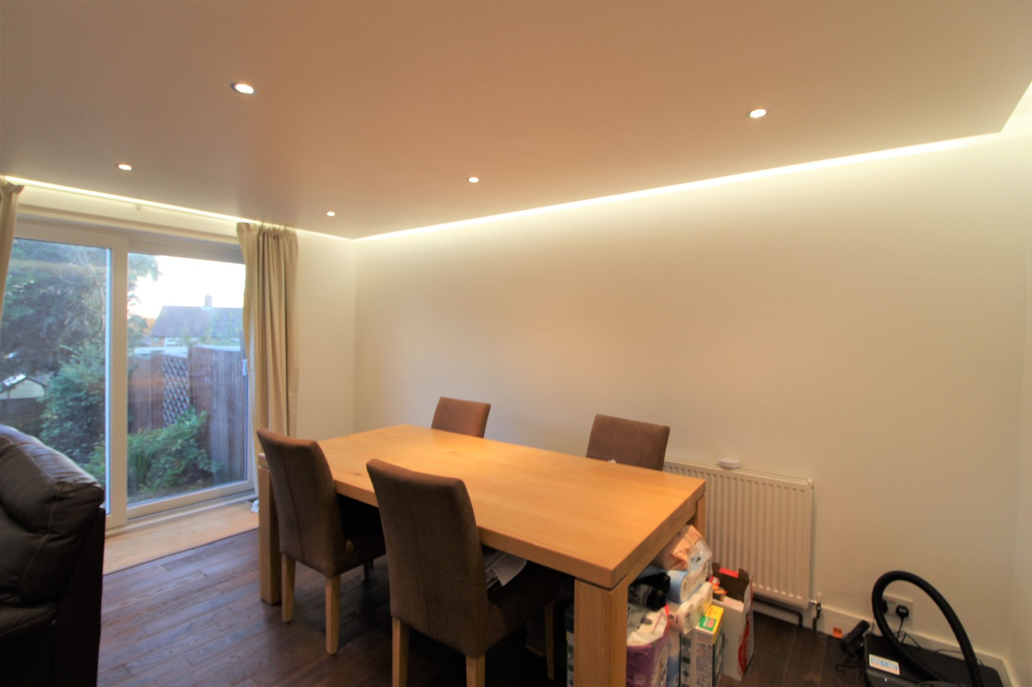 3 bedroom mid terraced house Sale Agreed in Potters Bar - Photograph 11