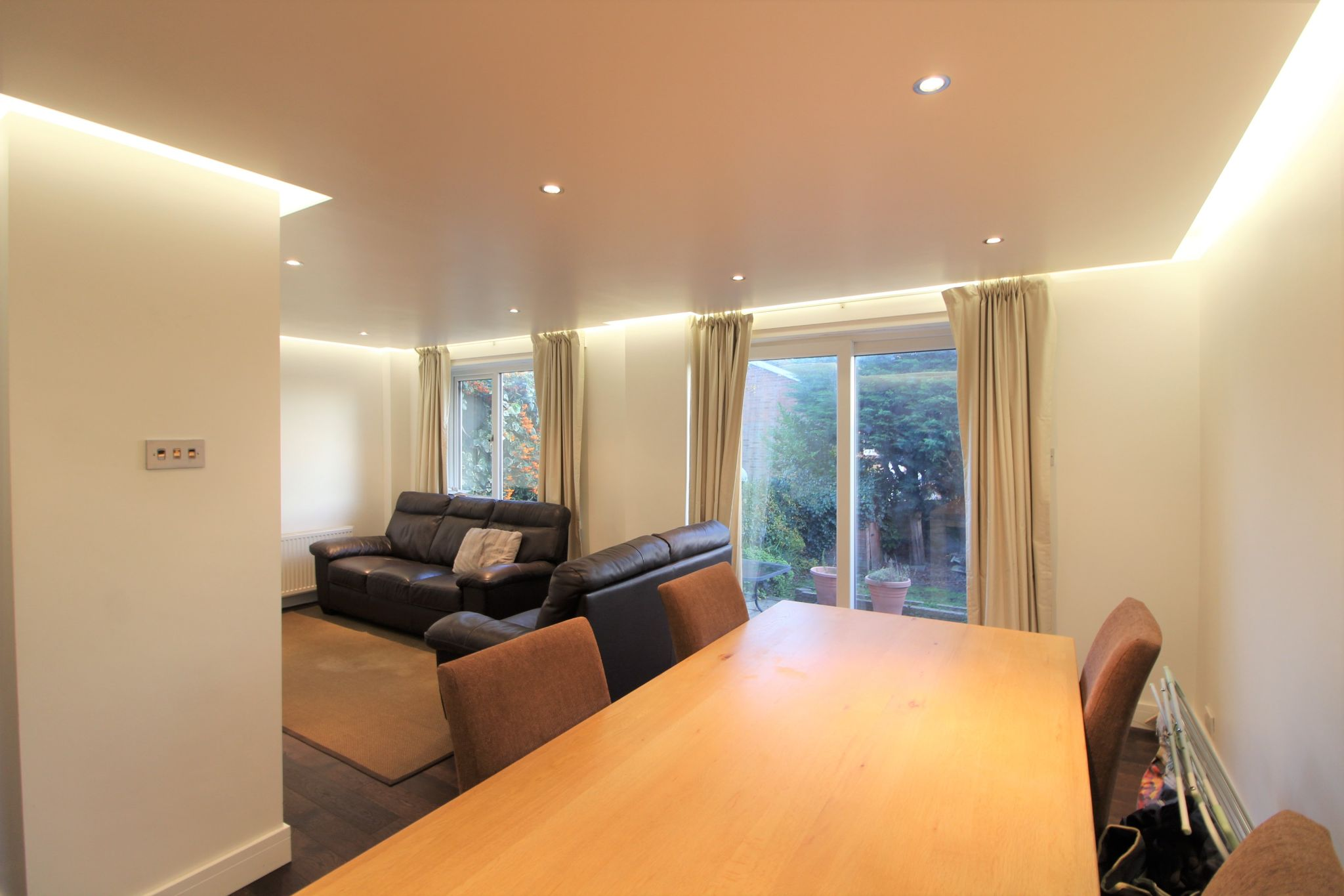 3 bedroom mid terraced house Sale Agreed in Potters Bar - Photograph 10
