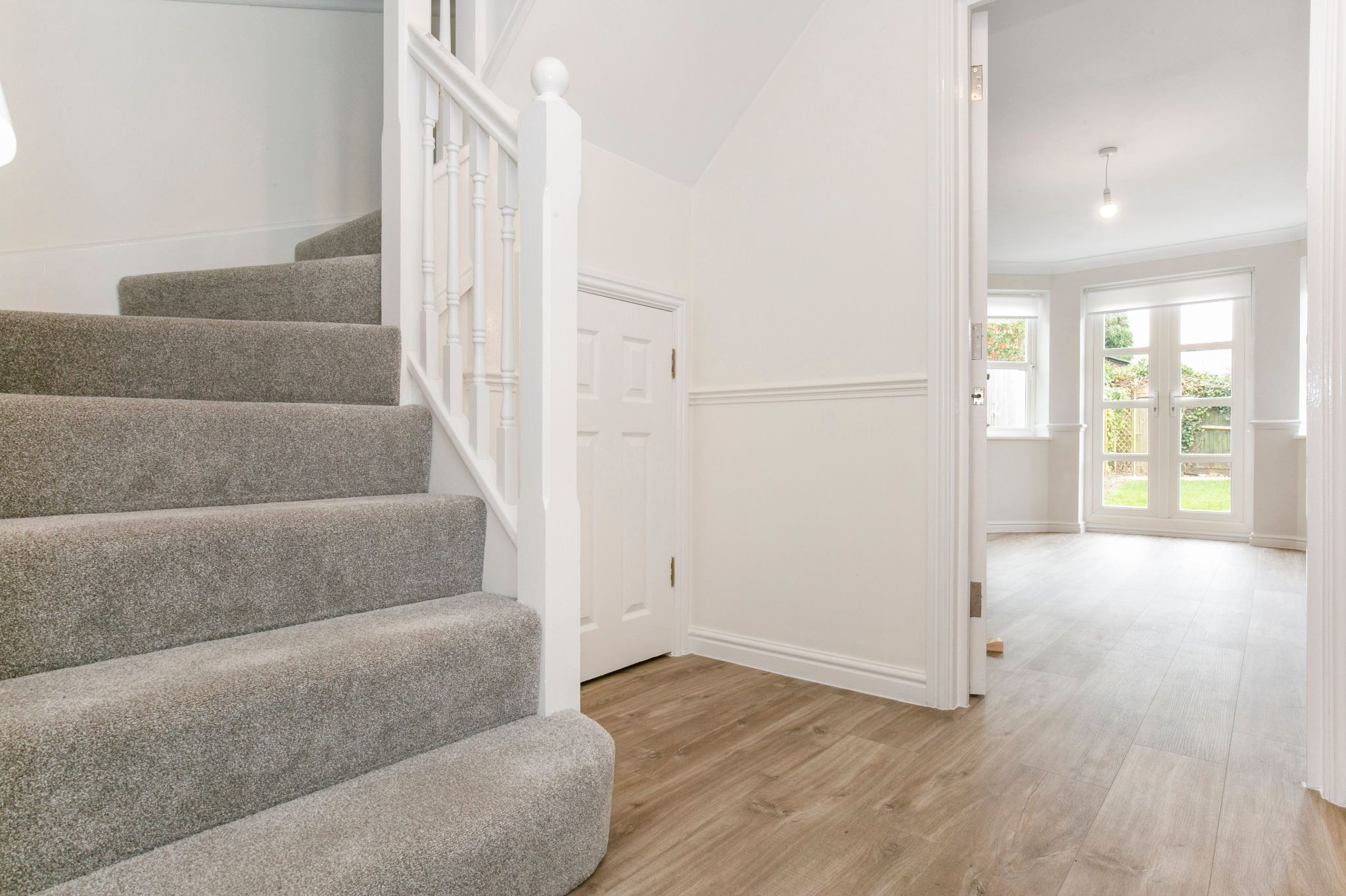5 bedroom mews house For Sale in Digswell - Property photograph