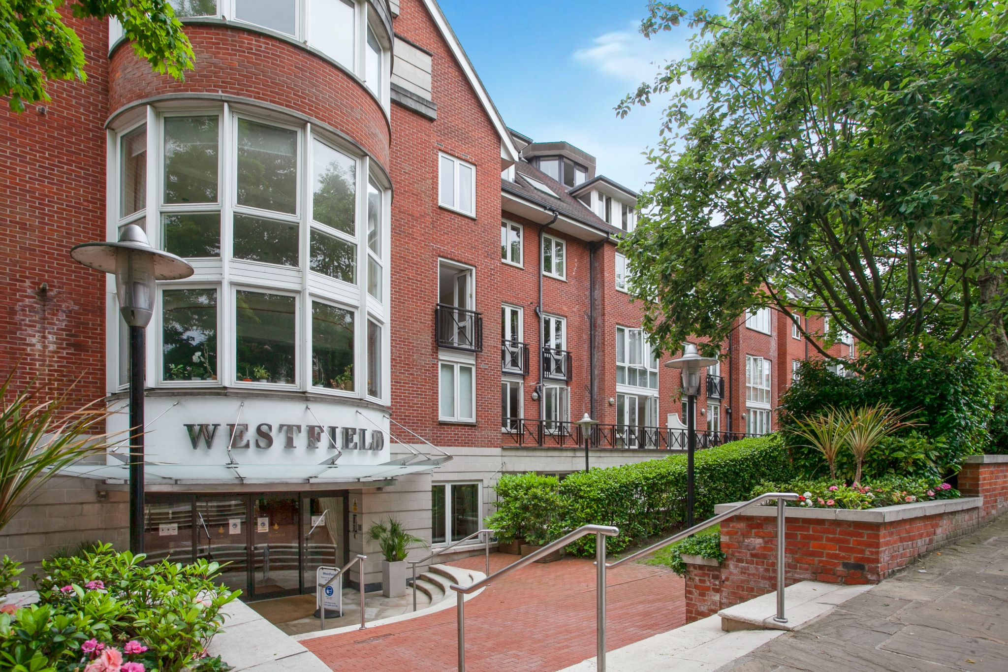 3 bedroom apartment flat/apartment For Sale in London - Photograph 21